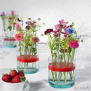 Einfache Herbstdeko Tisch : blumengestecke ideen f r eine bunte tischdeko mit wachs blumendeko pinterest ~ Markanthonyermac.com Haus und Dekorationen