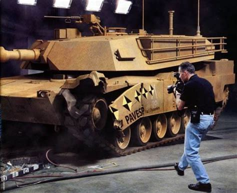 Броня мягка Краштест боевого танка  Журнал Популярная