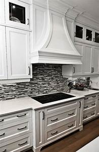 35 beautiful kitchen backsplash ideas hative for Black and white kitchen backsplash