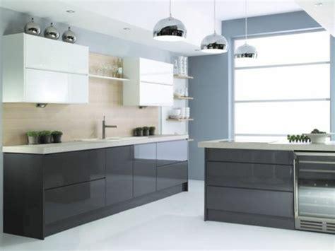 plan ilot central cuisine cuisine gris anthracite 56 idées pour une cuisine chic