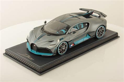 Bugatti divo 1:18 scale diecast replica model by bburago. Bugatti Divo Launch Version