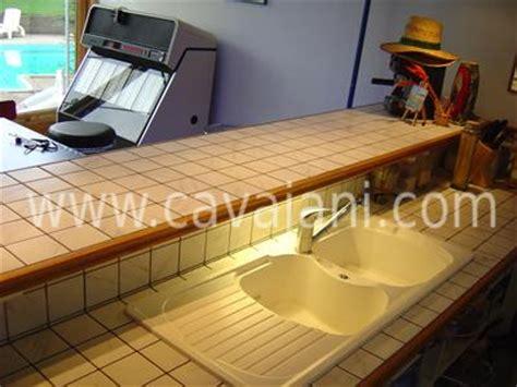 renovation plan de travail cuisine carrelage moderne faience listel escalier