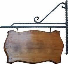 Pancarte En Bois : pancarte bois bois enseigne de magasin rouge sans texte accroch la paroi en fer forg de ~ Teatrodelosmanantiales.com Idées de Décoration