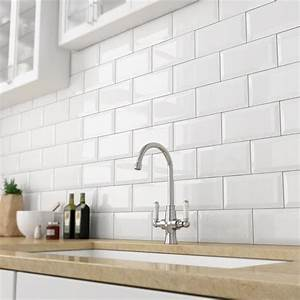 Best 25 kitchen wall tiles ideas on pinterest cream for Kitchen with wall tiles images