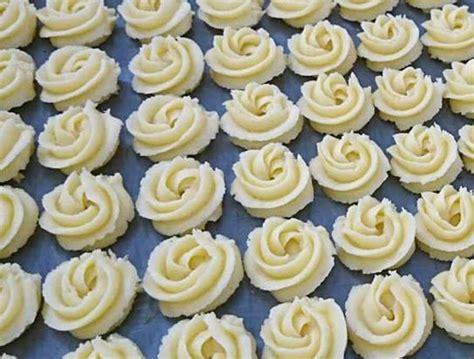 Video) resep kue kering sagu keju sederhana untuk persiapan lebaran. Resep Kue Sagu Keju Spesial Lumer di Mulut + Tips Anti Gagal
