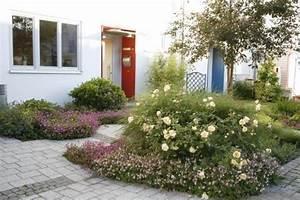 Kleiner Zaun Für Beet : vorgartenbeet ideen ~ Buech-reservation.com Haus und Dekorationen