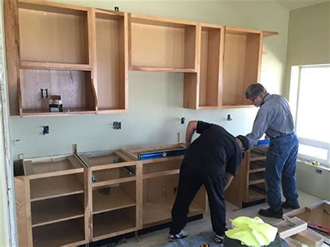 Cabinet Installer In Az by Construction Cabinet Installation An Eclectic Mind