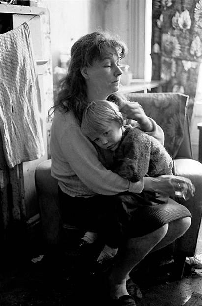 Newcastle 1971 1969 Slum Mother Child Flashbak