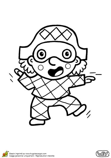 coffre cuisine coloriage d un petit garçon déguisé en arlequin pour le