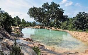 Piscines paysagees d39exception bassins cascades for Terrasse autour d une piscine 8 piscines paysagees dexception bassins cascades