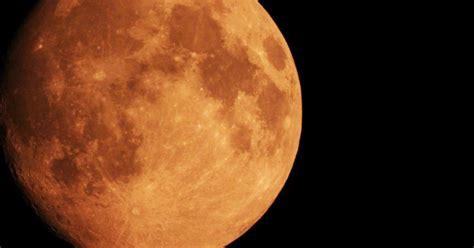 photograph  blood moon lunar eclipse