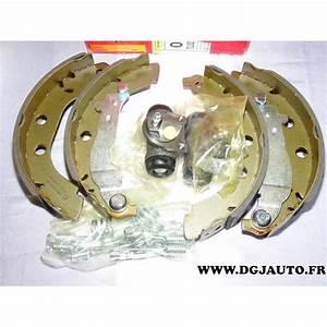 Kit Frein Arriere : kit frein arriere 228x40mm montage bendix 8671003902 pour ~ Melissatoandfro.com Idées de Décoration