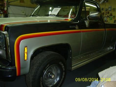 sell   chevrolet truck  special sport edition
