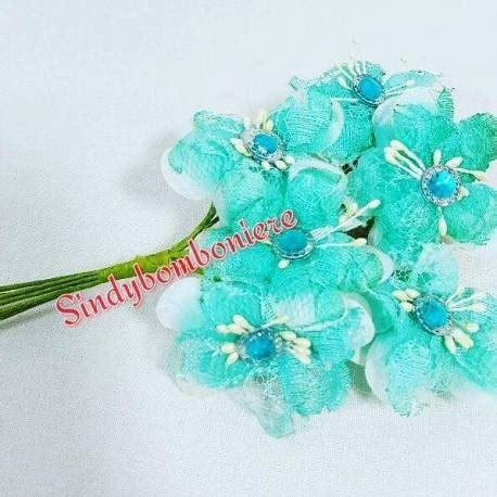 fiori per bomboniere fai da te fiori fai da te con strass colorati per confezione