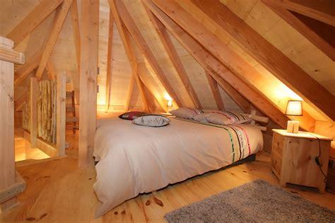 cabane dans chambre la cabane domme avec spa perchée dans les arbres