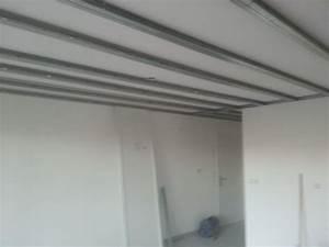 Pose De Placo Sur Rail : rail faux plafond menuiserie image et conseil ~ Carolinahurricanesstore.com Idées de Décoration