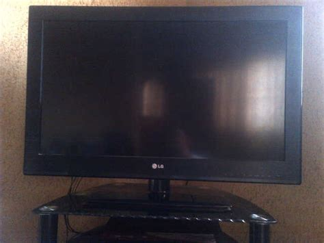 Inch Lg Lcd Flat Screen Tv (see Pix)-technology Market