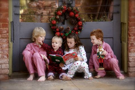 file children reading the grinch jpg wikimedia commons