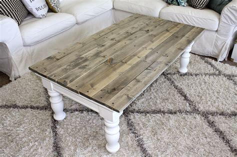 This particular design makes the most of it as you can see for yourself. Nifty Thrifty Momma: Farmhouse Style Coffee Table