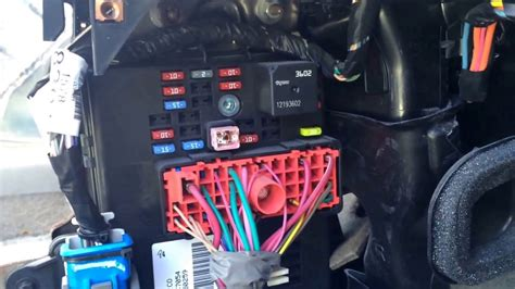 06 Cobalt Fuse Box by 2007 Chevy Fuse Box Location Automotive Wiring Diagrams