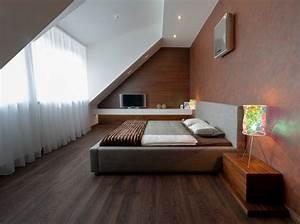 Computer Im Schlafzimmer : schlafzimmer mit dachschr ge gestalten 23 wohnideen ~ Markanthonyermac.com Haus und Dekorationen