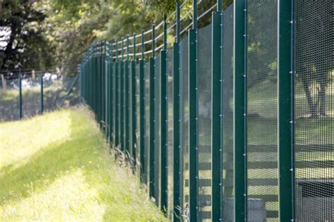 utilities fencing  fencing people