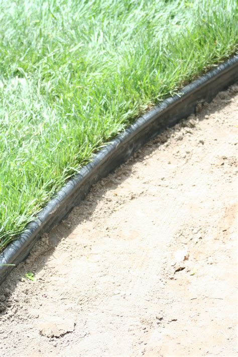 landscape edging how to install plastic landscape edging cynthiabeedesign com