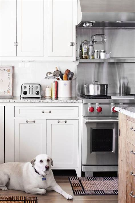 white kitchen sinks 1048 best kitchens images on country kitchens 1048