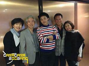 [Photo] G-Dragon with his parents in Hong Kong 2014-10-28 ...
