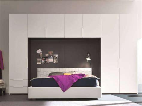armadio a letto come si progetta e si posiziona al meglio un armadio