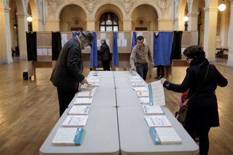 bureau de vote lyon 7 regional vote national front dominates daily mail