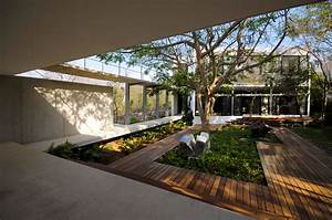 Home inspiration modern garden design studio mm architect for Modern courtyard houses