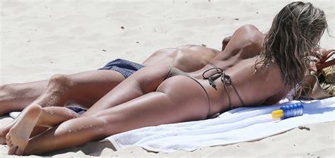 Natasha Oakley Nude Pics Page