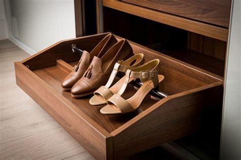 Pull Out Shoe Shelf   wearesircle.com
