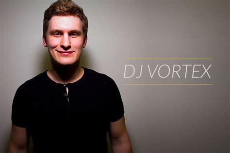 DJ Vortex mājas lapas vizītkartes izveide