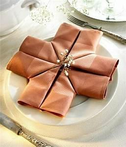 Serviette De Table En Tissu : d co pliage de serviette en tissu ~ Teatrodelosmanantiales.com Idées de Décoration