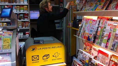 À Dijon, Un Tabacpresse Réceptionne Les Colis De La Poste