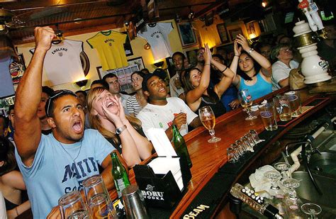 famous sports bars   globe blogletcom