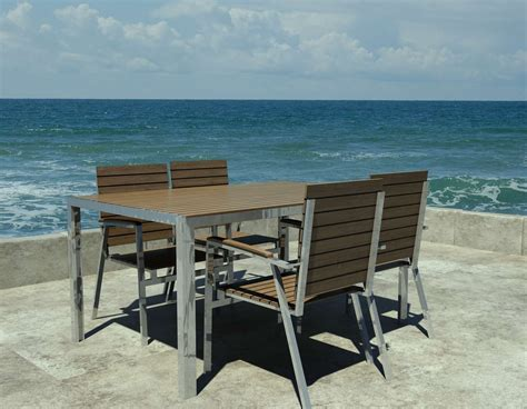 chaises en teck chaise de jardin design danois en teck et acier inoxydable