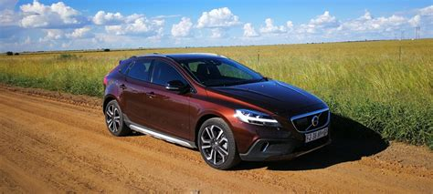 Review Volvo V40 Cross Country by Reviewed 2017 Volvo V40 Cross Country