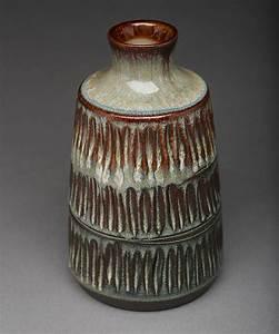Mid Century Modern Studio Pottery Identification Tips