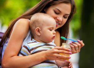 Vögel Füttern Ab Wann : hochstuhl ab wann darfst du dein baby hineinsetzen ~ Frokenaadalensverden.com Haus und Dekorationen