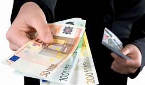 Affitto in contanti 2018: è obbligatorio pagare il canone con assegno?