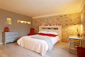 tete de lit mur en pierre couleurs chambre pinterest With deco de chambre parentale
