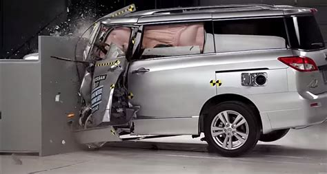 Minivans Crash Test by Minivans Disappoint In Of Iihs Crash Tests