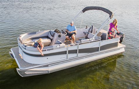 Pontoon Boat Seat Configurations by Crestliner S Best Fishing Pontoons Tritoons Rally