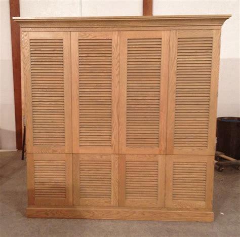 bi fold closet doors louvered bifold closet doors chocoaddicts