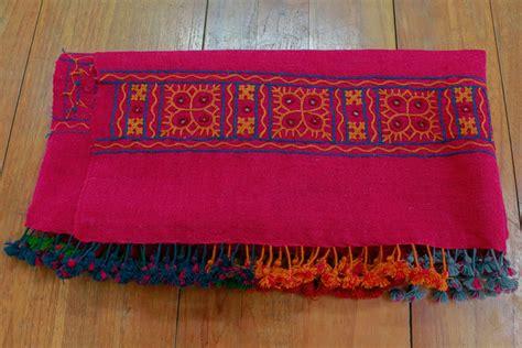 dsource products bhujodi shawl weaving kutch gujarat