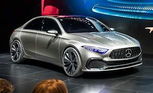 Mercedes-Benz Concept A Sedan (2017) photos Between the