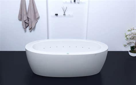 aquatica purescape  white freestanding air jetted bathtub